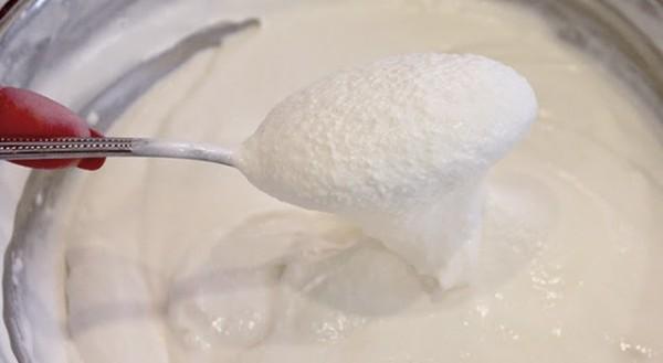 cách làm kem dừa non 2